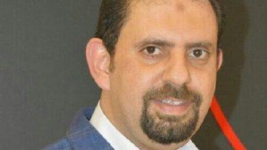 """Photo of محمد لطفي يكتب : """"عميل المحمول"""" مكسور الجناح"""