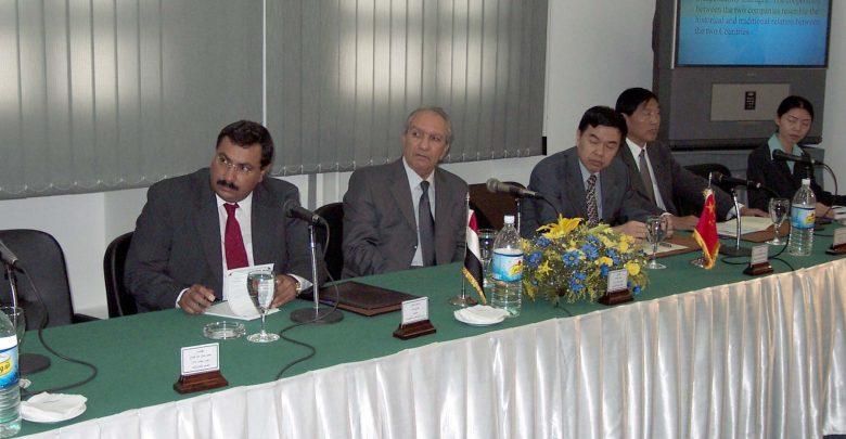 خلال اجتماع مشترك مع مصنع الالكترونيات