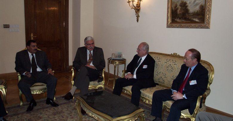 خلال اجتماع مع شركة الكاتيل عام 2002 بمقر وزارة الاتصالات