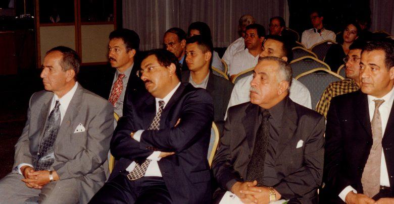 خلال مشاركته في احد المؤتمرات الصحفية عام 2001