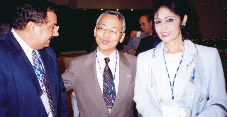 في 2001 مع رئيس الاتحاد الدولي للاتصالات خلال افريقيا تيليكوم