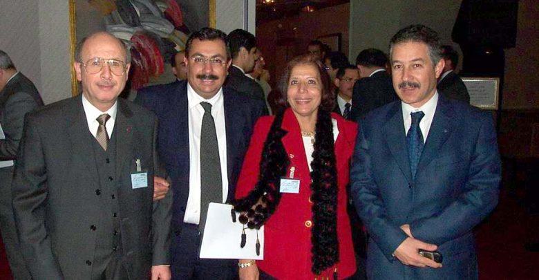2002-د.طارق-كامل-يتوسط-عزة-ترك-وعقيل-بشير-وحاتم-حلمي.jpg