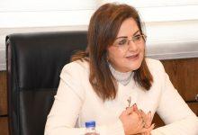 Photo of وزيرة التخطيط : 15% نسبة نمو قطاع الاتصالات المصري ..والبترول يتصدر القائمة